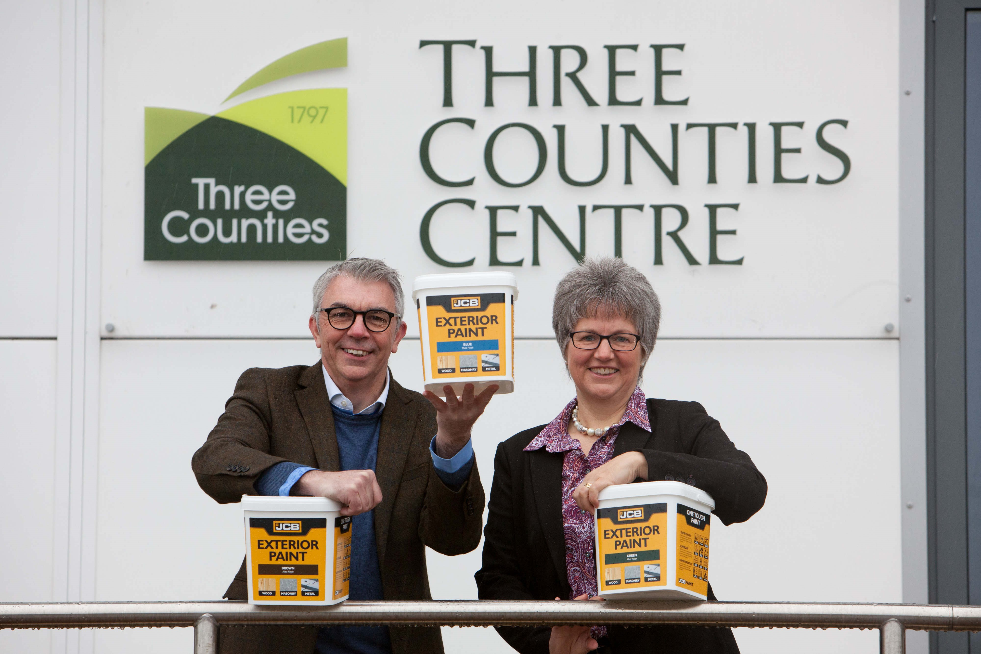 Royal Three Countie Show - JCB Paint.jpg